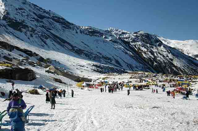 What Happens In Nightlife In Manali: Witness the interesting site of the town!