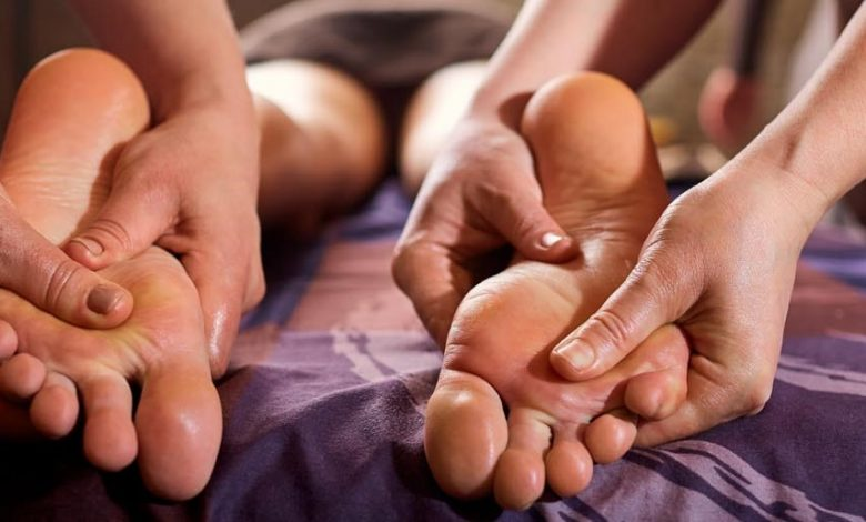hands massage therapy